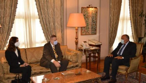 مصر تشدد على ضرورة الالتزام باتفاق وقف النار في ليبيا